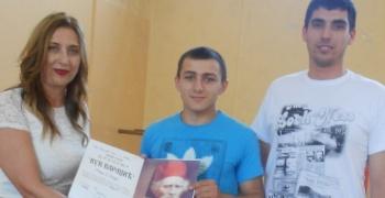 """Матурантима ССШ """"4. јули"""" додељене дипломе"""